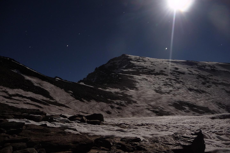 Luna llena en el Mulhacen
